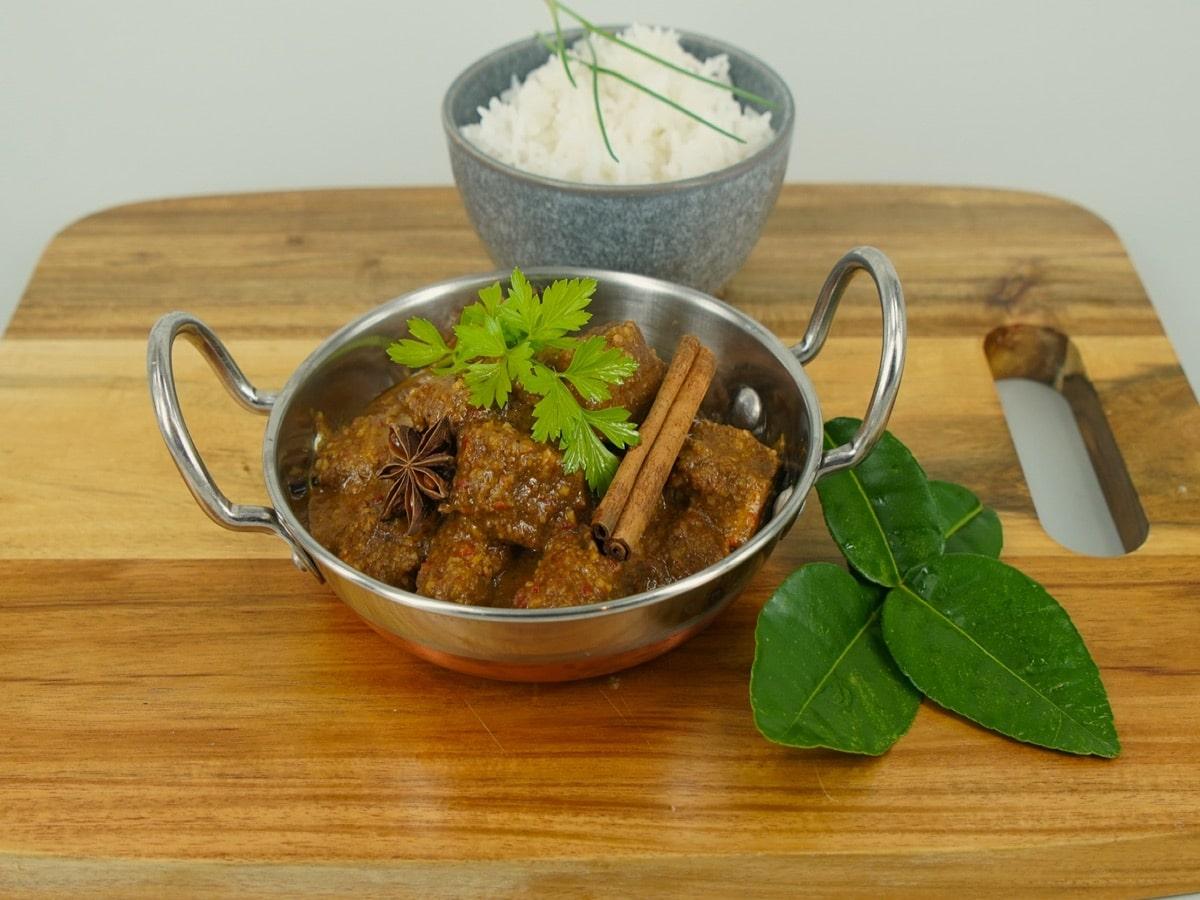 plated rendang from samatra recipe