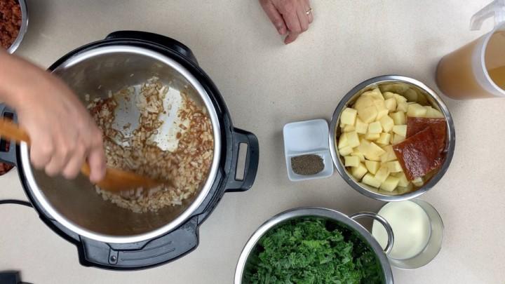 Saute Onions Garlic Zuppa
