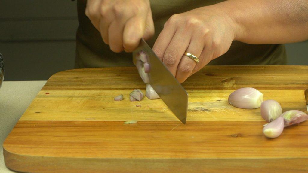 Slice Shallots