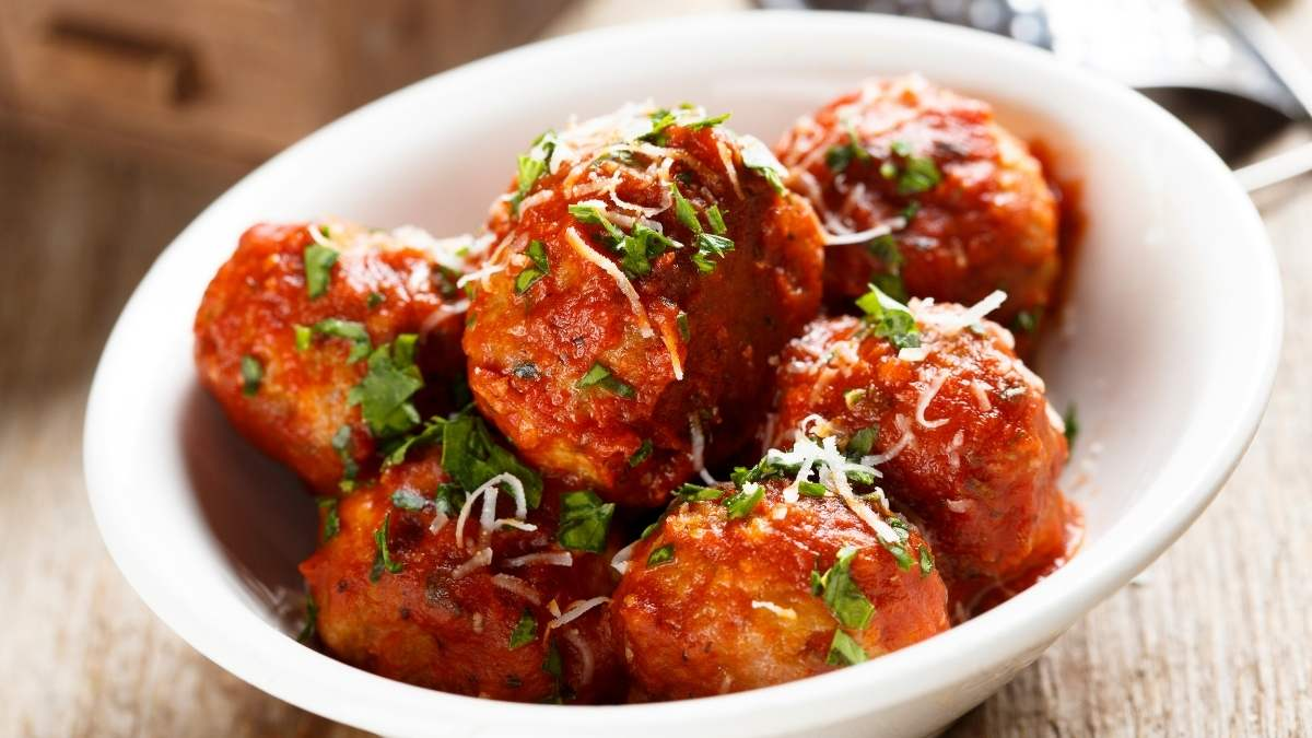 How To Make The Right Amount Of Meatballs For A Crowd