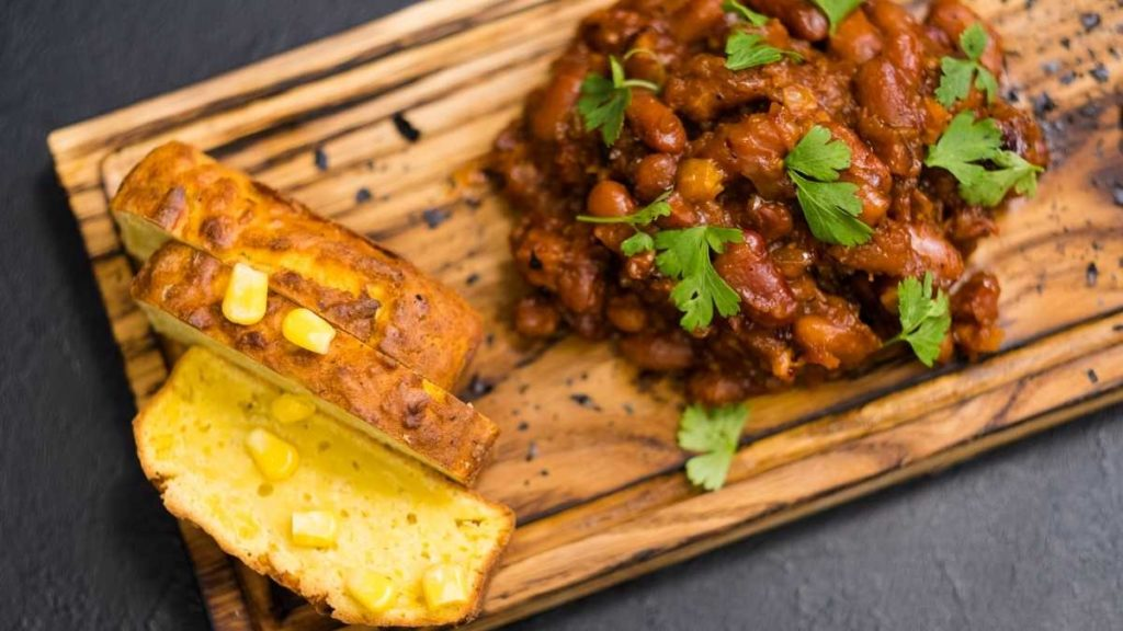homemade baked beans with pinto beans