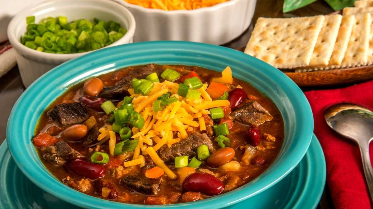 Making Chili for Large Groups: Quantity and Tips