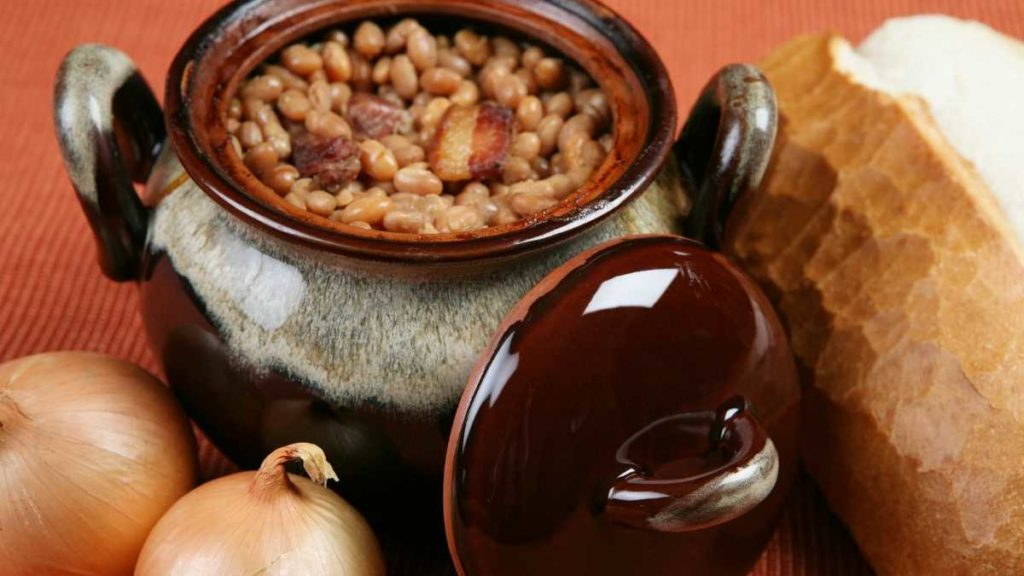 how to make baked beans with pork and beans