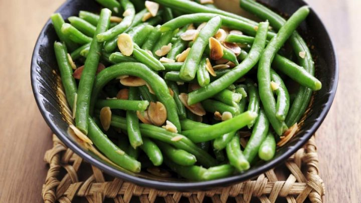 Green Beans And Butter Garlic - A Great Side dish For A Crowd
