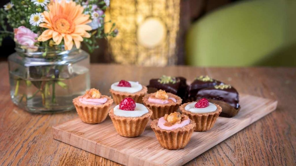 Small Cupcakes For 10 People