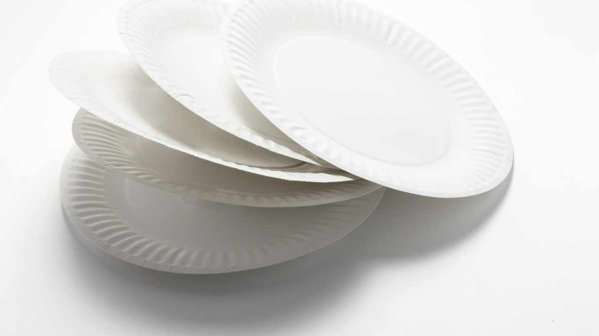 How Many Plates Do I Need For A Party