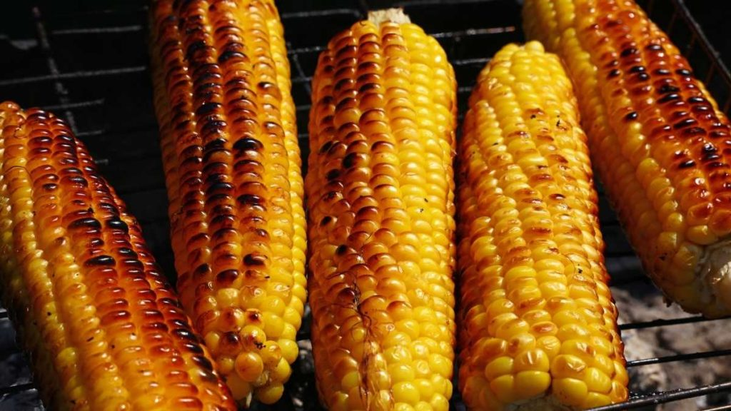 Recipe for reheating corn cobs by Stovetop Grilling