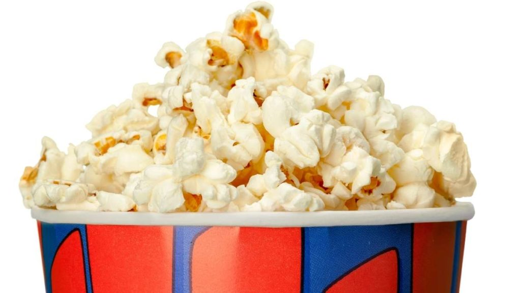 When Popcorn is served with other snacks - how much per person?