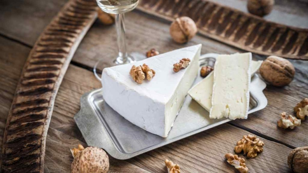 Nuts give texture and Flavor to Brie