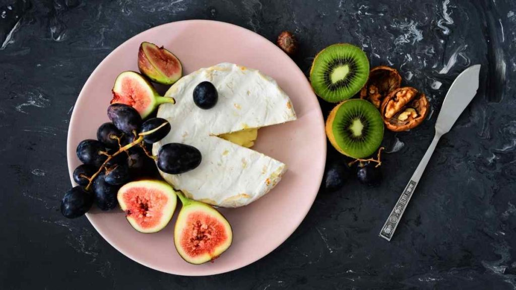 Fruit Adds To the Brie Flavor